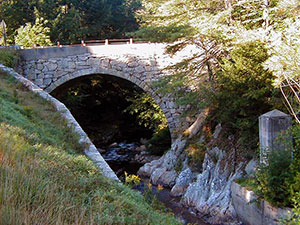gilsum-stonearchbridge-300